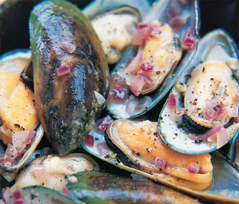 Buy New Zealand Green Lipped Mussels - 1kg online